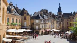 Sarlat-la-Canéda hotels near St-Sacerdos Cathedral