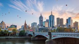 Melbourne hotels near Flagstaff Gardens