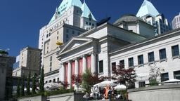 Vancouver hotels near Vancouver Art Gallery