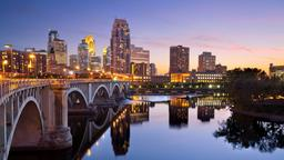 Minneapolis hotels near Hennepin Center for the Arts