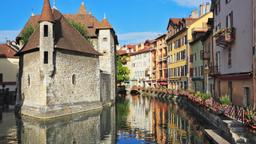 Annecy hotels near Pont des Amours
