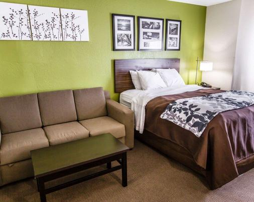 Sleep Inn & Suites near Outlets - Myrtle Beach - Bedroom