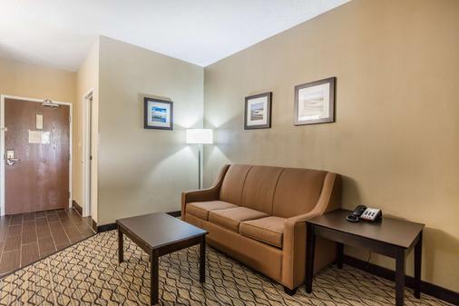 Comfort Inn & Suites Crystal Inn Sportsplex - Gulfport - Living room