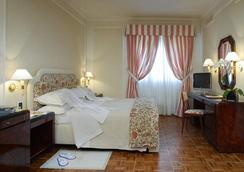 Hotel De La Ville - Florence - Bedroom