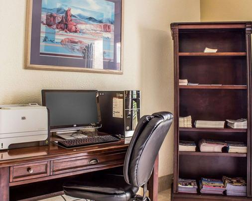 Quality Inn & Suites - Yuma - Business centre