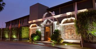 Wyndham Costa del Sol Trujillo - Trujillo - Building