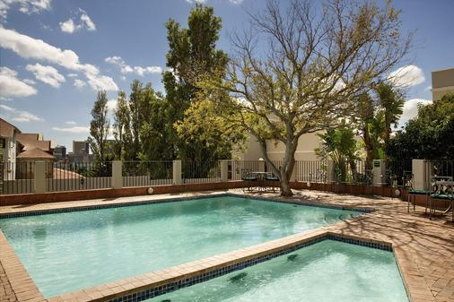 Best Western Cape Suites Hotel - Cape Town - Pool