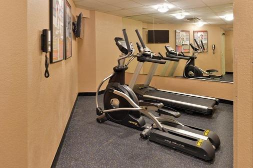 Best Western Plus Peak Vista Inn & Suites - Colorado Springs - Gym