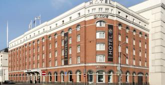 Ramada Encore Belfast City Centre - Belfast - Building
