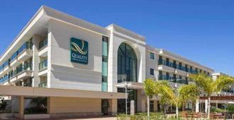 Quality Hotel & Suites Brasilia - Brasília - Building