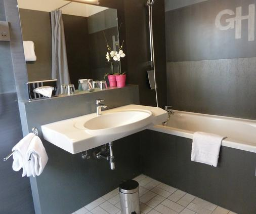 Le Grand Hotel - Strasbourg - Bathroom