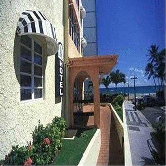 Sandy Beach Hotel - San Juan - Building