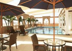 Platinum Hotel - Muscat - Pool