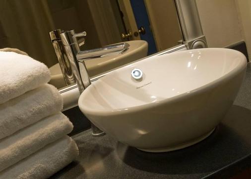 Best Western Gold Rush Inn - Whitehorse - Bathroom