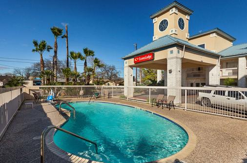 Econo Lodge Downtown South - San Antonio - Pool