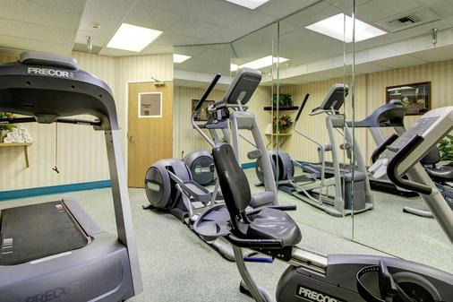 Clarion Suites Downtown - Anchorage - Gym