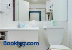 Francisco Bay Inn - San Francisco - Bathroom