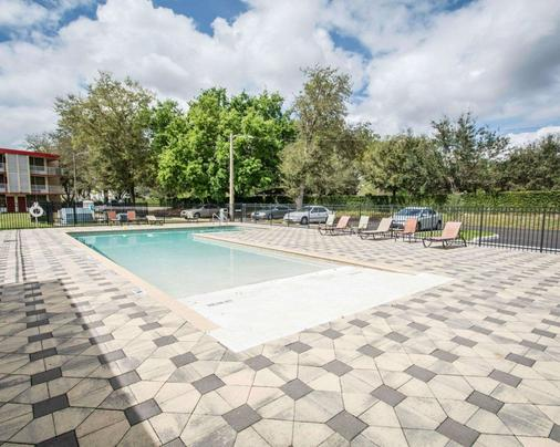 Econo Lodge - Kissimmee - Pool