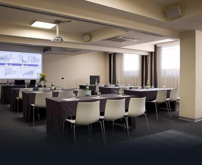 Hotel Zone - Rome - Business centre