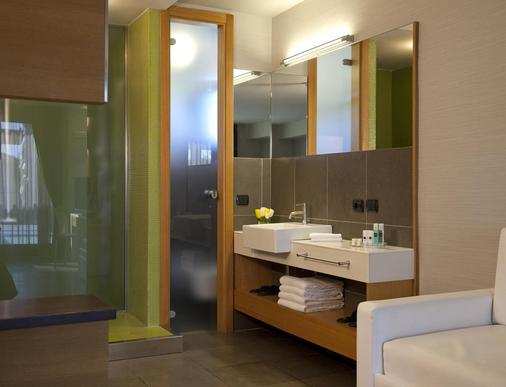 Hotel Zone - Rome - Bathroom