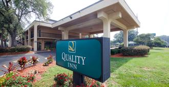 Quality Inn - Jacksonville - Building
