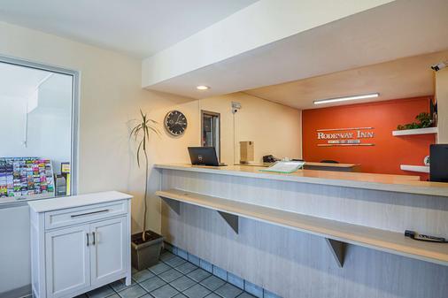 Rodeway Inn Kissimmee Maingate West - Kissimmee - Lobby