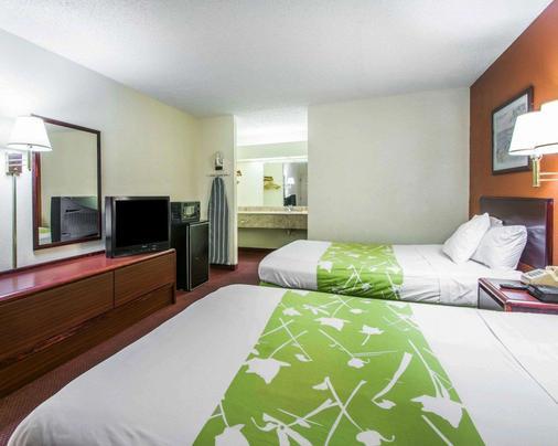 Econo Lodge - Dothan - Bedroom