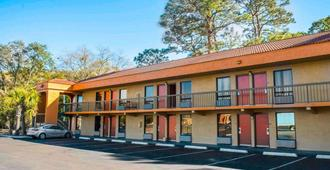 Econo Lodge - Panama City - Building