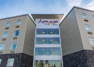 Applause Hotel By Clique