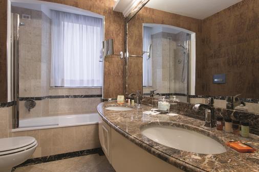 Hotel Dei Mellini - Rome - Bathroom