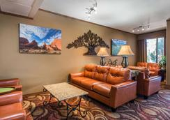 Quality Inn South - Colorado Springs - Lobby