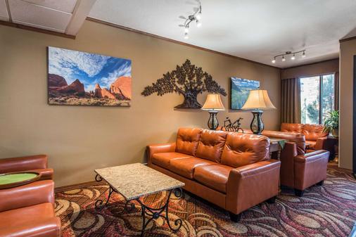 Quality Inn South - Colorado Springs - Lobby
