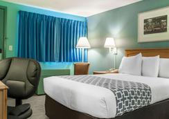 Econo Lodge Buffalo South - Buffalo - Bedroom