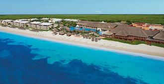 Now Sapphire Riviera Cancun Resort And Spa - Puerto Morelos - Beach