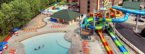 Country Cascades Waterpark Resort - Pigeon Forge
