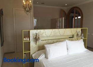 Montjuic Bed & Breakfast