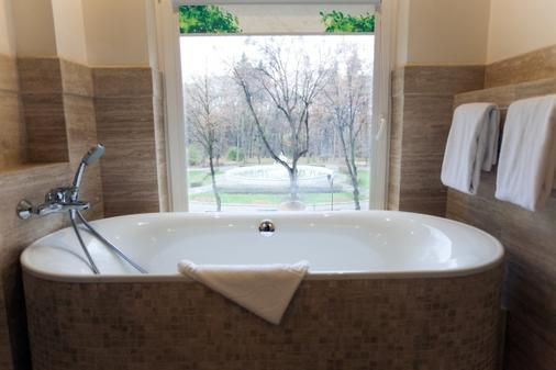 Delice Hotel - Lviv - Bathroom