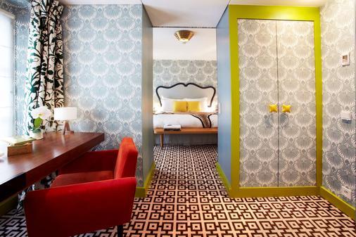 Hotel Thoumieux - Paris - Bathroom