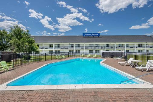 Howard Johnson Inn Bangor - Bangor - Pool