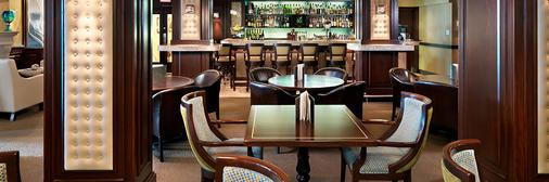 Chateau Victoria Hotel and Suites - Victoria - Bar