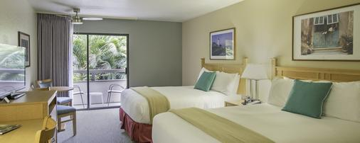Colton Inn - Monterey - Bedroom