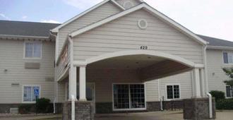 Rodeway Inn - Salina - Building