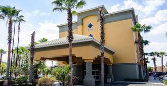 Galleria Palms Hotel - Kissimmee - Building