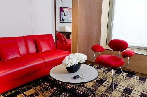 Golden Tulip Opera De Noailles - Paris - Living room