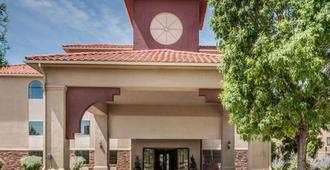 Quality Inn - Albuquerque - Building