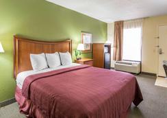 Quality Inn Merchants Drive - Knoxville - Bedroom