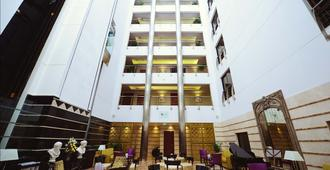Donatello Hotel - Dubai - Building