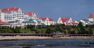 Qingdao Seaview Garden Hotel - Qingdao - Building