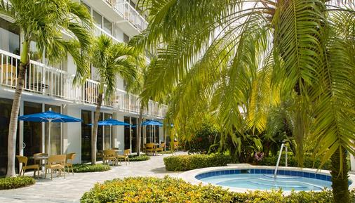 Guy Harvey Outpost - A Tradewinds Beach Resort - Saint Pete Beach - Outdoor view