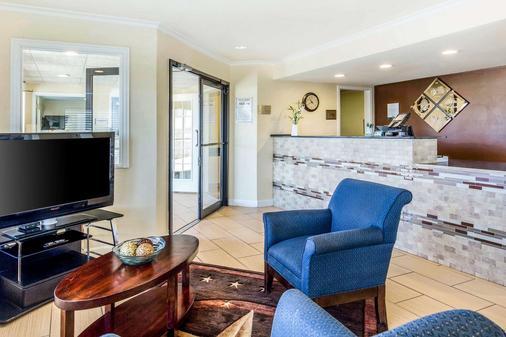 Quality Inn Abilene - Abilene - Lobby